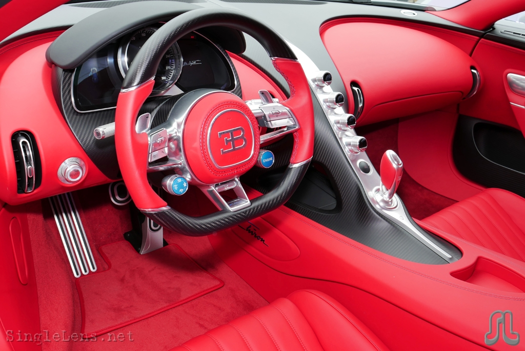 Bugatti chiron interior pictures to pin on pinterest for Interieur bugatti chiron