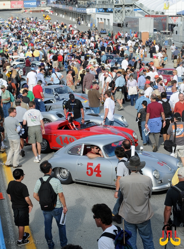 Concours-on-pit-lane_Rennsport-Reunion-IV
